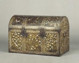 花鳥蒔絵螺鈿洋櫃(京都国立博物館蔵)
